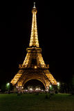 Tour Eiffel la nuit Photo stock