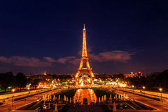Tour Eiffel la nuit, Paris, France Photographie stock libre de droits