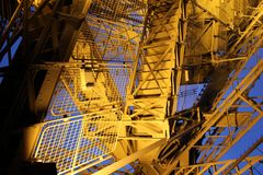 Tour Eiffel par nuit, Paris Image stock