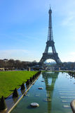 Tour Eiffel vu de la fontaine de Trocadero, Paris, France Image stock