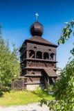 Tour en bois de beffroi dans Hronsek, Slovaquie Photographie stock