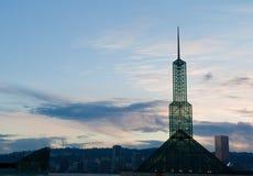 Tour en verre centrale de Portland Concention au coucher du soleil image libre de droits