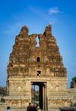Tour endommagée de temple de Vittala Image libre de droits