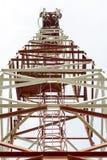 Tour et antenne GSM, CDMA de cellules Vu de dessous Photo libre de droits