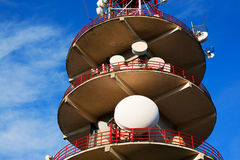 Tour et antennes de radiodiffusion Photo stock