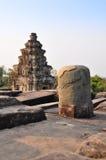 Tour et linga sur le dessus de Phnom Bakheng Image libre de droits