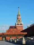Tour et mausolée de Spasskaya dans la place rouge Photographie stock libre de droits