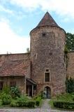 Tour et mur médiévaux Photographie stock