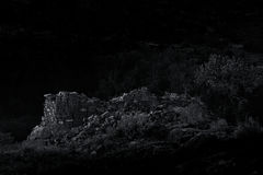 Tour héréditaire éclairée par la lune du style B&W Puebloan Anasazi de vintage Images stock