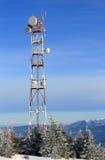 Tour hertzienne en montagnes Images libres de droits