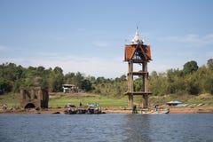 Tour submergée de temple et de cloche Image libre de droits
