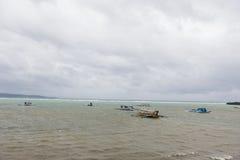 Tourboats i Boracay, Filippinerna Arkivbilder