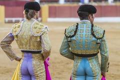 Toureiros espanhóis que olham a tourada, toureiro no th Fotos de Stock Royalty Free