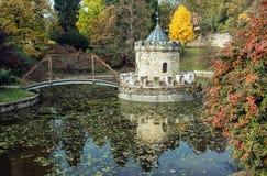 Tourelle dans Bojnice, Slovaquie, parc d'automne, natu coloré saisonnier photo stock
