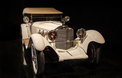Tourer 1928 de Mercedes Benz Model S apresentado no museu de Blackhawk Ca EUA imagem de stock royalty free