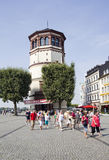 Tourgroup i Dusseldorf, Tyskland royaltyfri bild