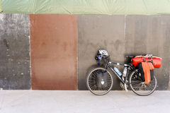 Touring bicycle and panniers Stock Photography