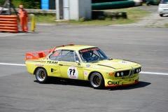 Touring car 1971 de BMW en la acción Imagenes de archivo