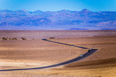 Touring the death valley with Cars Royalty Free Stock Photos