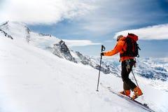 Tourisme alpestre photo stock