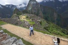 Tourisme dans Marchu Picchu photos stock