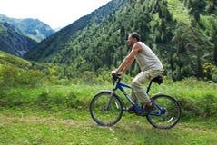 Tourisme de vélo de montagne Photo libre de droits