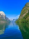 Tourisme et voyage Montagnes et fjord en Norvège photographie stock libre de droits