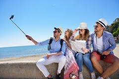 tourisme, voyage, les gens, loisirs et concept de technologie Photo stock