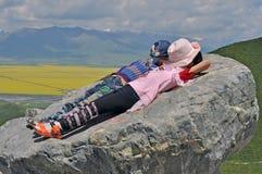 Tourismus, Kinder, Tourismus Chinas, Qinghai, Menyuan-Grafschaft, Rapssamen-Blumen, Landschaft, Gelb, Ausflug stockfotos