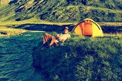 Tourist in Altai-Lager Stockbild