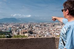 Tourist auf einem Sightseeing-Tour der Stadt von Màlaga Stockbilder