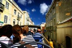 Tourist auf offenem Bus lizenzfreies stockbild