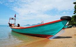 Tourist boat on Rabbit island, Kep, Cambodia Royalty Free Stock Photos