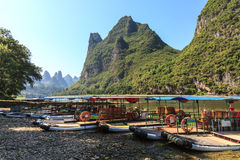 Tourist boats on the Li river Royalty Free Stock Photos