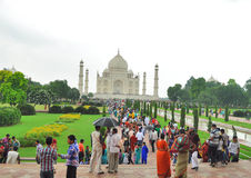 Tourist crowd infront of Taj Mahal Royalty Free Stock Photography