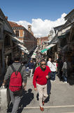 Tourist Crowds on Rialto Bridge Venice Royalty Free Stock Photos