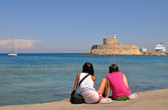 Tourist girls on rhodes Royalty Free Stock Photos