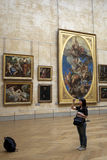 Tourist at Louvre Royalty Free Stock Photography