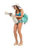 Tourist mit Karte und Koffer Lizenzfreie Stockfotos
