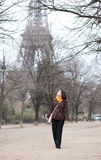 Tourist in Paris near the Eiffel Tower Royalty Free Stock Photography