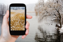Tourist photographs of Hudson river in snowing Stock Images
