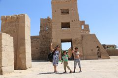 Tourist at Ramesseum temple in Luxor - Egypt Royalty Free Stock Photos