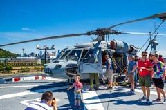 Tourist Seattles Seafair auf dem USS-Boxer Lizenzfreies Stockfoto
