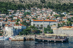 Tourist ship in Dubrovnik Royalty Free Stock Photography