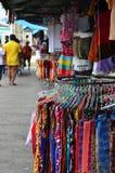 Tourist shopping at Chatuchak weekend market in Bangkok, Thailan Royalty Free Stock Photos