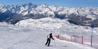 Tourist skiing Royalty Free Stock Photos
