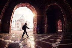 Tourist in Taj Mahal stockfoto