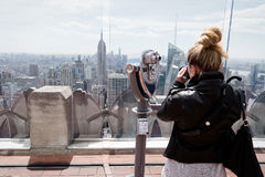 Tourist taking photos of New Yorks skyline Stock Photography