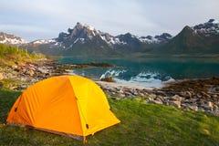 Tourist tent on lakeside Royalty Free Stock Photos