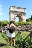 Tourist vor ACRO di Tito Stockbilder